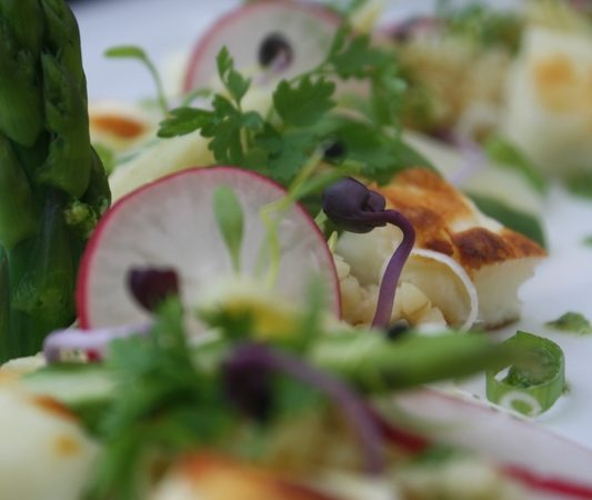 """""""Salade printanière de boulgour toasté et halloumi grillé"""" pour le défi Delhaize"""